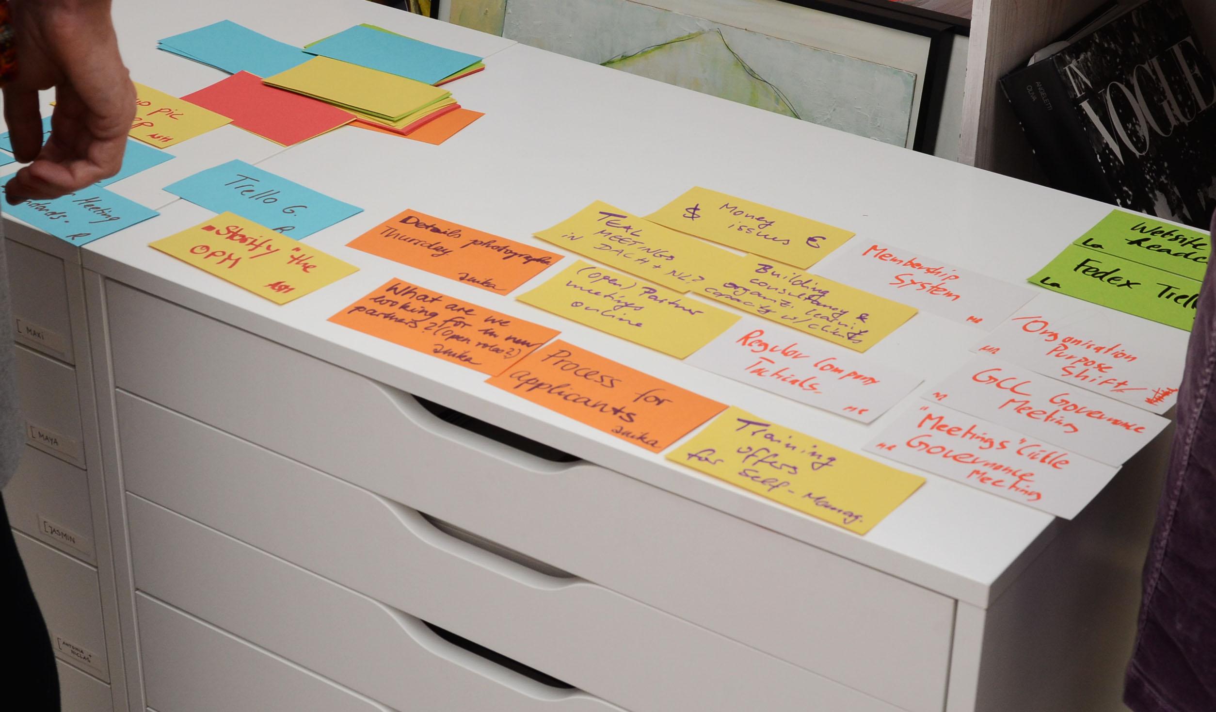 2_agenda_building